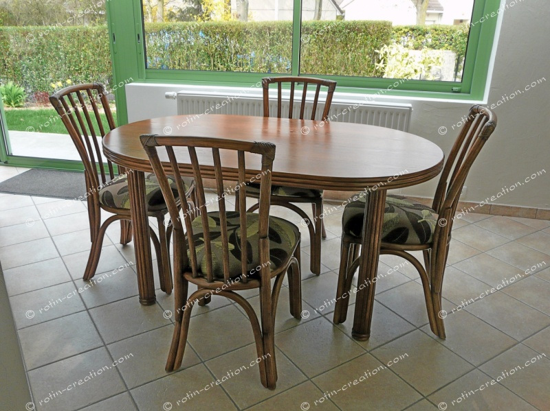 Table ovale carlat avec 1 allonge table ovale avec 1 for Salle a manger en rotin