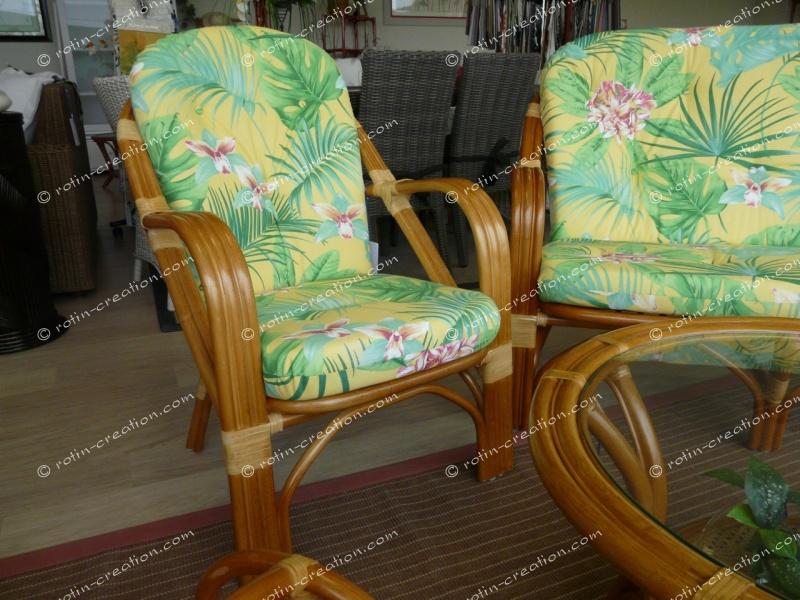 fauteuil golf miel mordor tissu fleurs exotiques. Black Bedroom Furniture Sets. Home Design Ideas